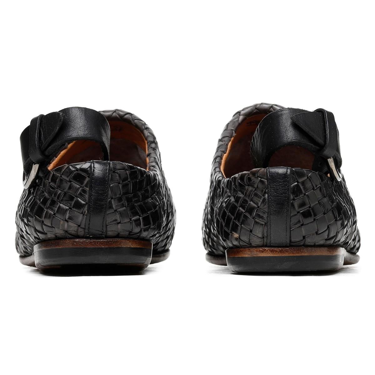Slippers in pelle nera intrecciata