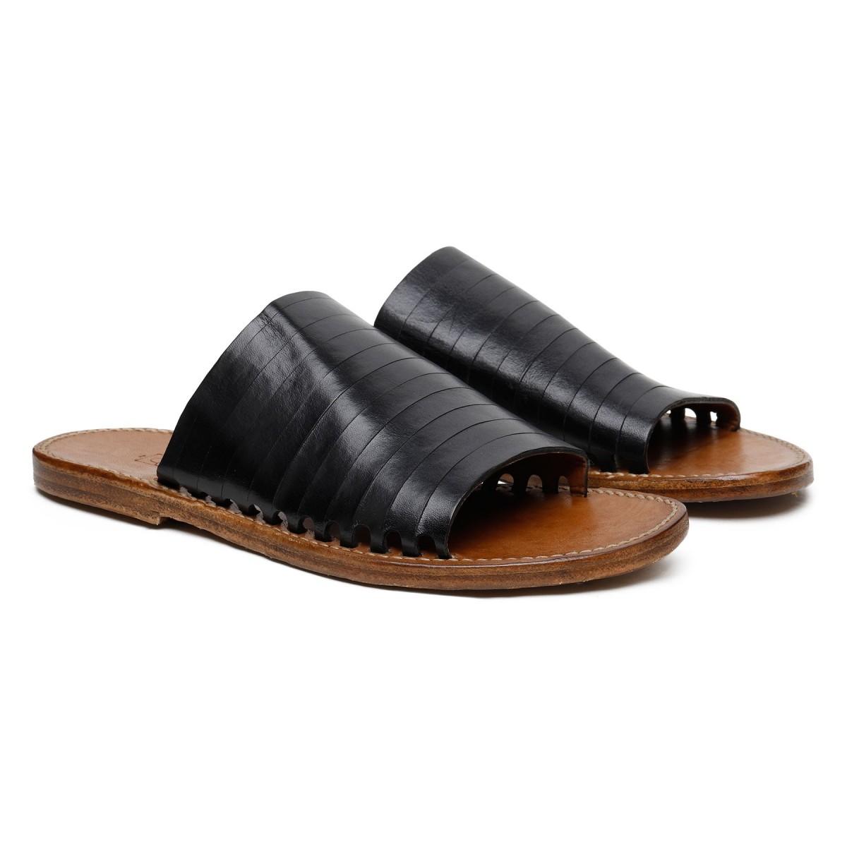Sandali bassi in pelle nera