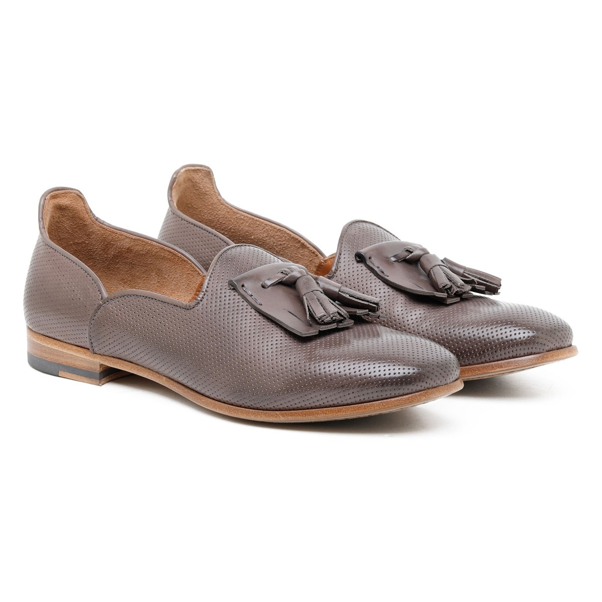 Tassels brown leather slippers